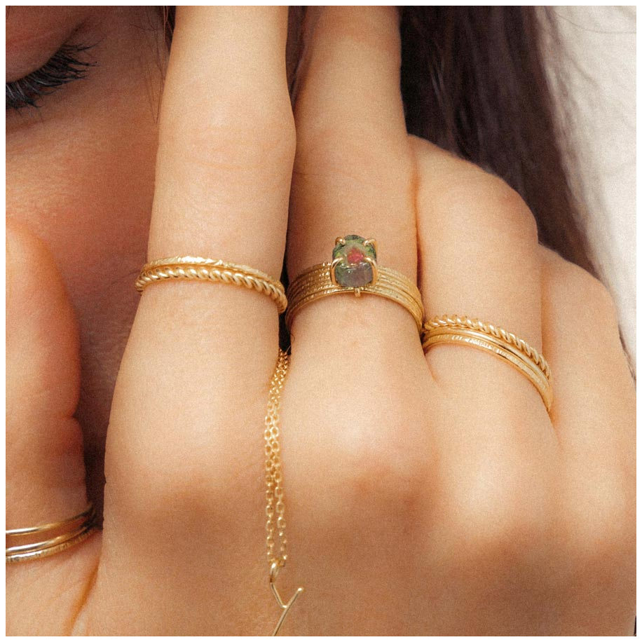 Nude chiselled Ring S